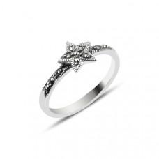 OLIVIE Stříbrný prsten HVĚZDA MARKAZIT 2868 Velikost prstenů: 9 (EU: 59 - 61)