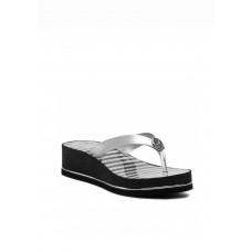 GUESS žabky Enzy Striped Platform Flip Flops stříbrné vel. 40