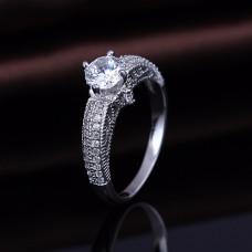 OLIVIE Stříbrný prsten se zirkonem 2180 Velikost prstenů: 6 (EU: 51 - 53)