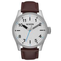 Nixon SAFARI LEATHER SILVERBROWN pánské hodinky analogové