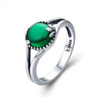 OLIVIE Stříbrný prsten SMARAGDOVÝ ZIRKON 3406 Velikost prstenů: 7 (EU: 54 - 56)